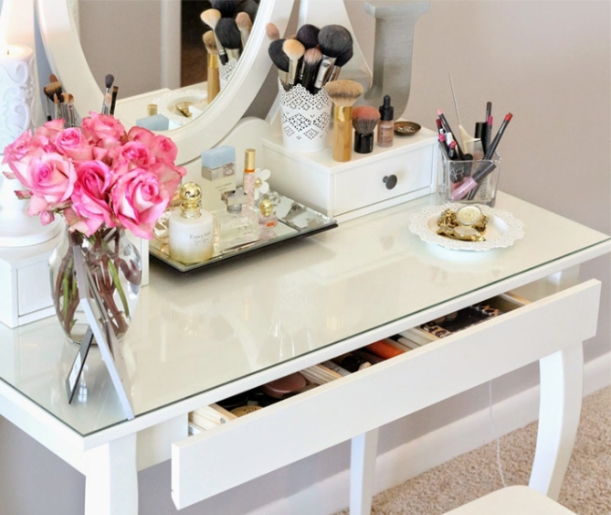 makeup storage a spoonful of style 20 Truly Innovative (and Instagrammable) Ways to Store Your Beauty Products