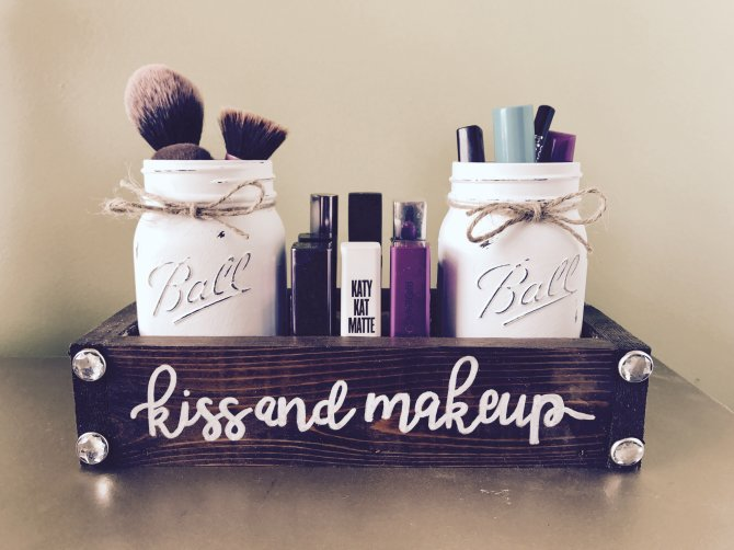 makeup storage the rustic peach 20 Truly Innovative (and Instagrammable) Ways to Store Your Beauty Products