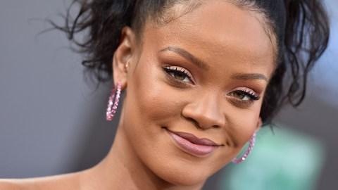 Rihanna Slams Snapchat in Wake of Domestic Violence Controversy   StyleCaster