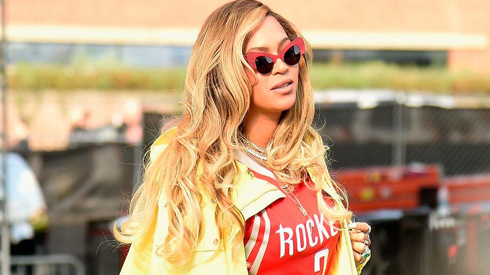 Beyoncé 's Makeup Artist Shares His Hack for Natural-Looking Foundation