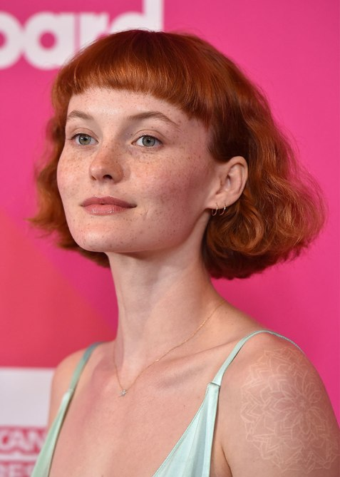 blunt haircuts kacy hill The Straight Edge Hairstyle to Try When You Want to Level Up Your Look