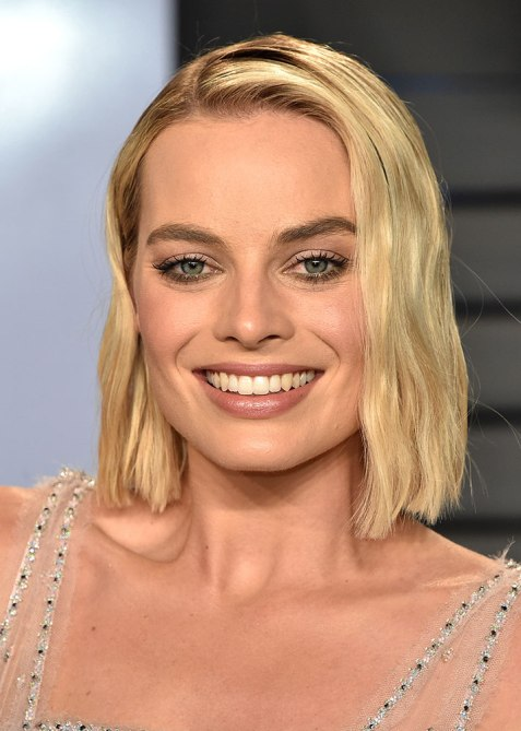 blunt haircuts margot robbie The Straight Edge Hairstyle to Try When You Want to Level Up Your Look