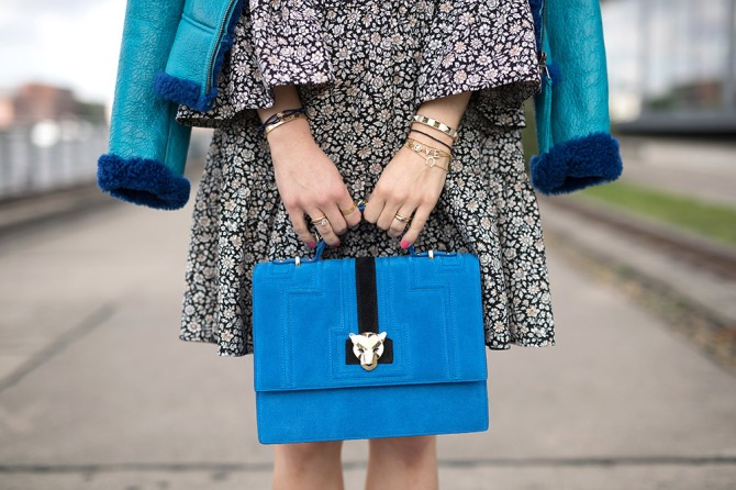 gettyimages 807813460 3 Rules for Finding Your Perfect Signature Accessory