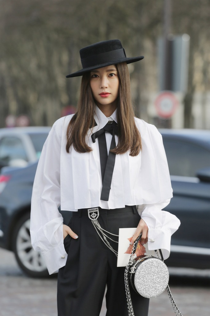 gettyimages 928297322 3 Rules for Finding Your Perfect Signature Accessory