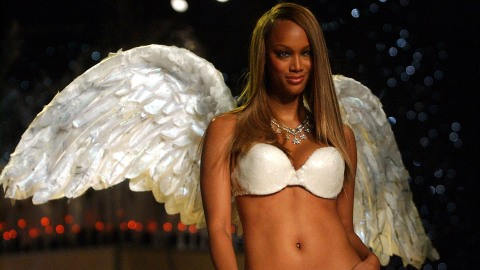 Victoria's Secret Once Fired Tyra Banks for Her Natural Hair | StyleCaster