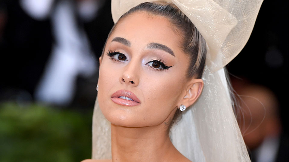 How to Properly Plump Your Lips With Liner, According to Ariana Grande's MUA