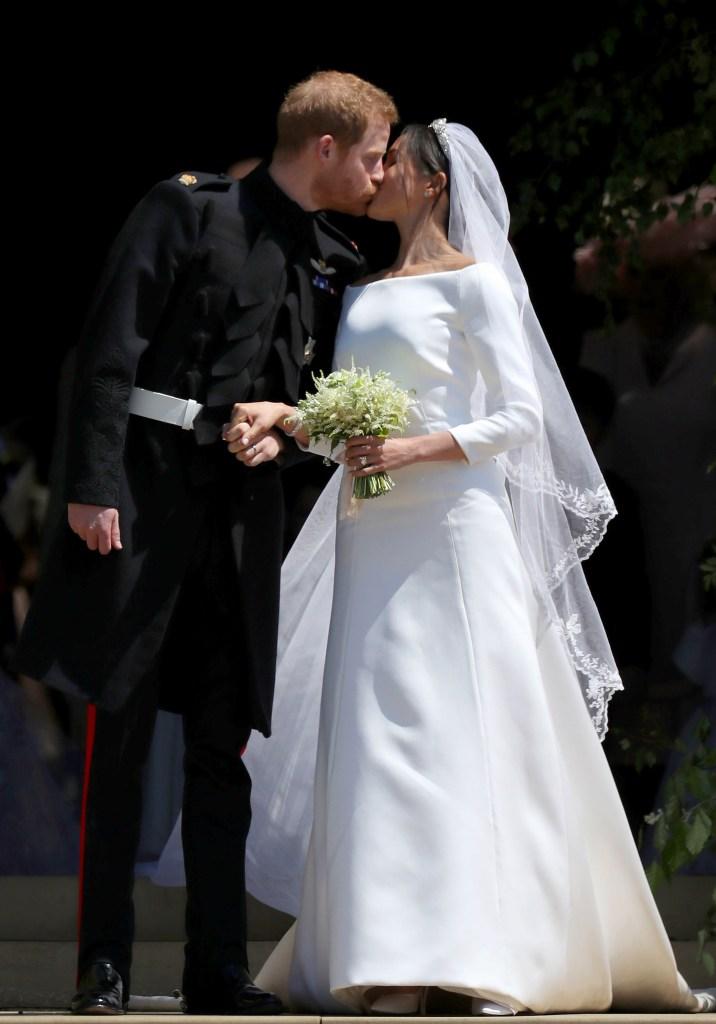 meghan markle broke tradition with wedding dress designer stylecaster https stylecaster com meghan markle wedding dress designer