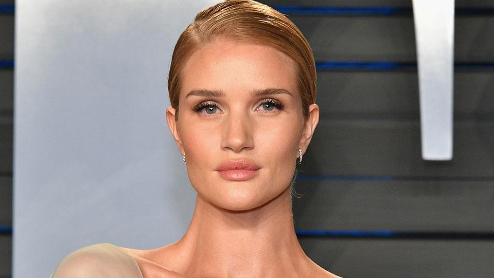 The $8 K-Beauty Concealer Rosie Huntington-Whiteley's Makeup Artist Loves