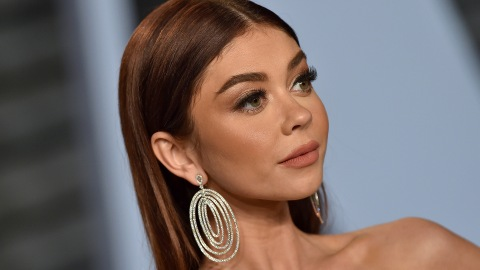 Sarah Hyland Looks So Different with Her New Black Hair | StyleCaster