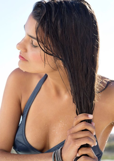 How to Protect Hair on the Beach