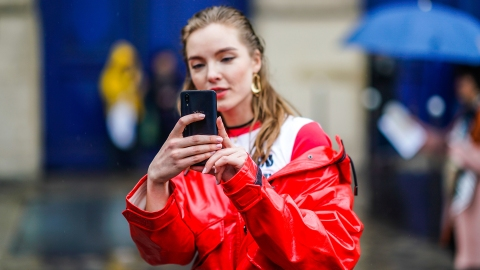 You Can Now Shop a Stranger's Outfit Using Your Phone's Camera   StyleCaster