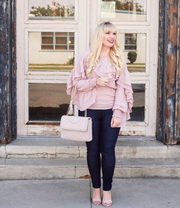 STYLECASTER    Come vestire i jeans    Lizzie in pizzo