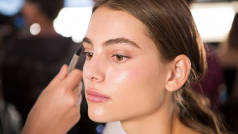 It Cosmetics' Cyber Monday Sale Includes Free Mascara, So Sign Us Up | StyleCaster