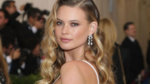The Hair Accessory Behati Prinsloo Stole from the Runway | StyleCaster