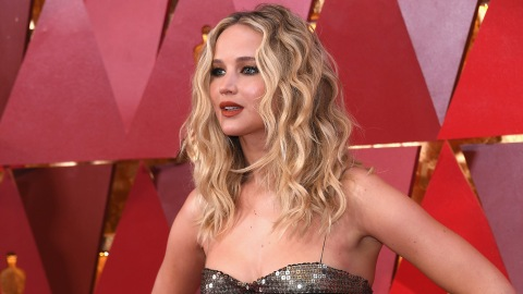 We're in Love with Jennifer Lawrence's New Summery Lob | StyleCaster