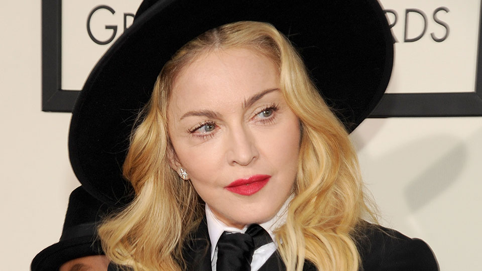 Check Out 5 Celebrities' Favorite MAC Lipsticks