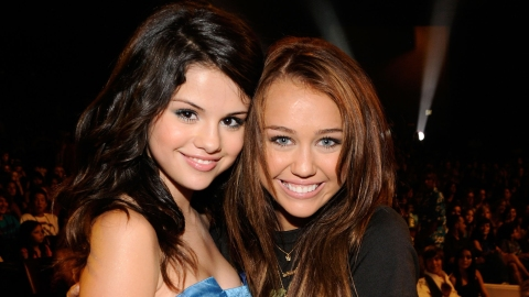 Miley Cyrus Defends Selena Gomez After She's Called 'Ugly'   StyleCaster