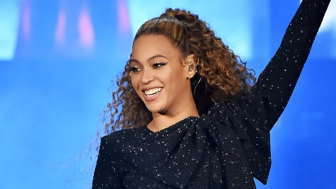 Beyoncé Just Explained Why Destiny's Child Looked Stoned In That 2001 Interview | StyleCaster