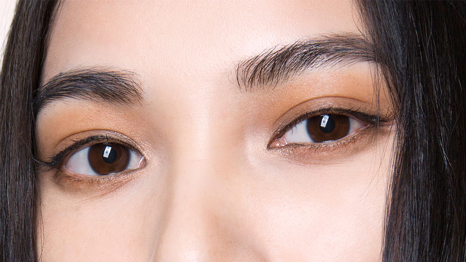 The Reddit-Approved Trick to Waxing Your Eyebrows at Home