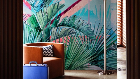 How to Make Tropical Wallpaper Chic: A Guide | StyleCaster