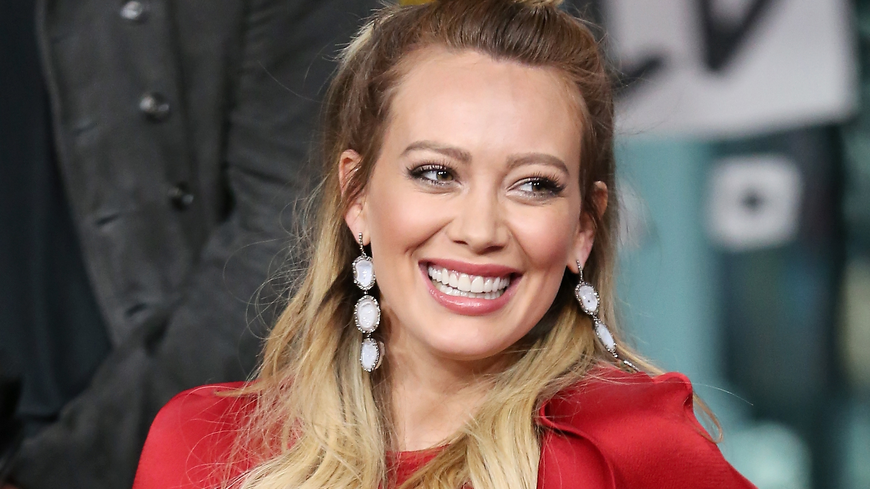 Hilary Duff's New '70s-Inspired Bangs Are Seriously Cool