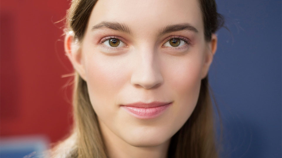 Expert Tips for Applying Liquid Foundation Flawlessly