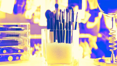 Small-Space Makeup Organizers to Make Your Life Easier   StyleCaster