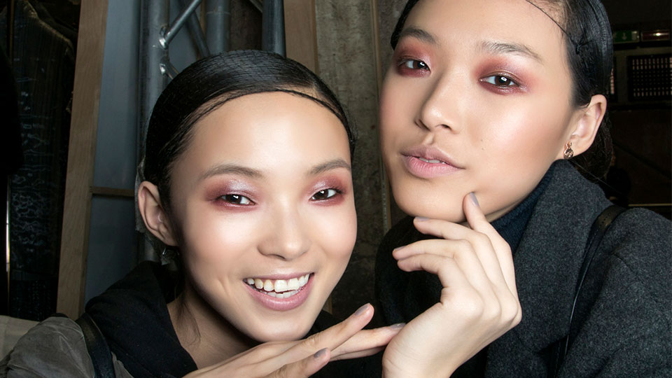 The Beginner's Guide to Applying Your Makeup in the Correct Order