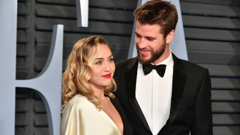This Miley Cyrus & Liam Hemsworth Video Is Quite Juicy | StyleCaster
