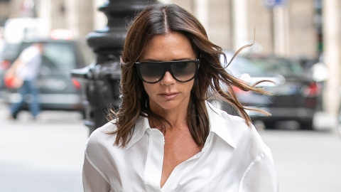 Victoria Beckham Trolled for Rare Selfie of Her Smiling   StyleCaster