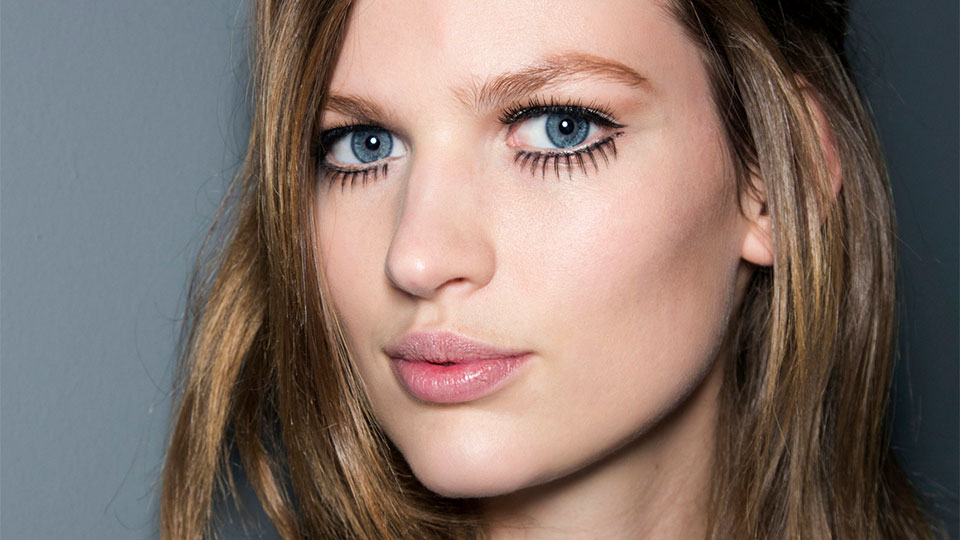 """This """"4D Fiber"""" Mascara Sold Out In Just Three Hours"""