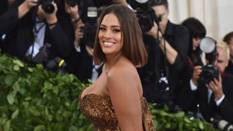 Ashley Graham Looks So Different with Curly Hair   StyleCaster