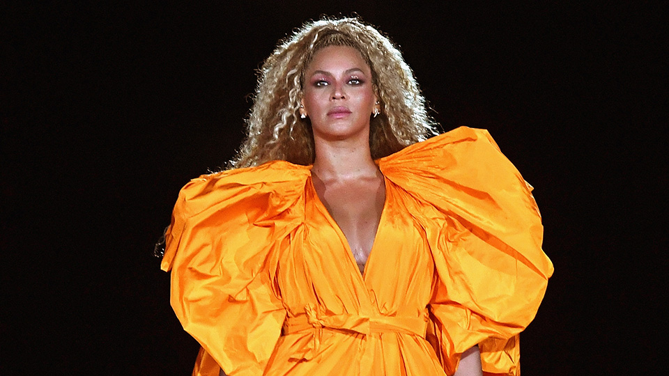 The Highlighter Makeup Artist Sir John Used to Create Beyoncé's Vogue Cover Glow