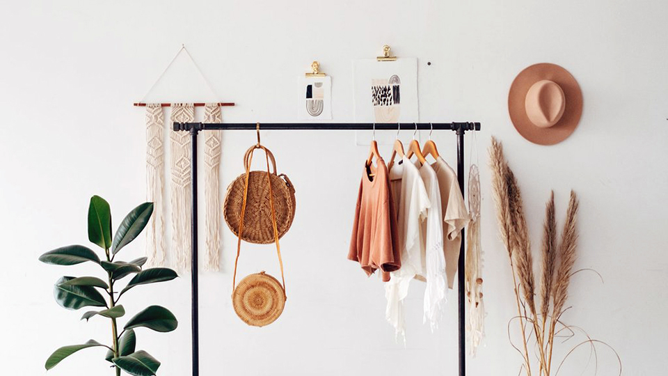 The Best Sites to Sell Your Stuff Online For a Little Extra $$ Right Now