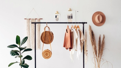 The Best Sites to Sell Your Stuff Online For a Little Extra $$ Right Now | StyleCaster