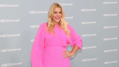 Busy Philipps Proves She Knows Her Complementary Colors | StyleCaster