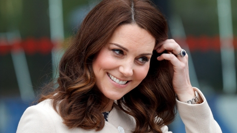 Apparently, Queen Elizabeth 'Is A Fan' Of Kate Middleton's Attitude Toward Royal Feuds | StyleCaster