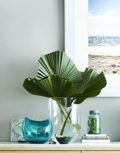 Palm Leaves Are The Underrated Decor You Re Missing Stylecaster Flower vase png & psd images with full transparency. palm leaves are the underrated decor
