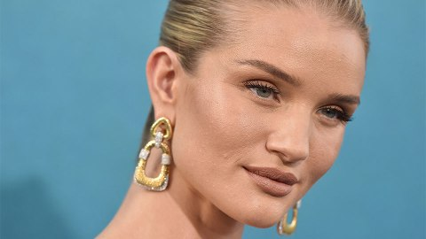 Rosie Huntington-Whiteley's Bold Lipstick Takes Center Stage | StyleCaster