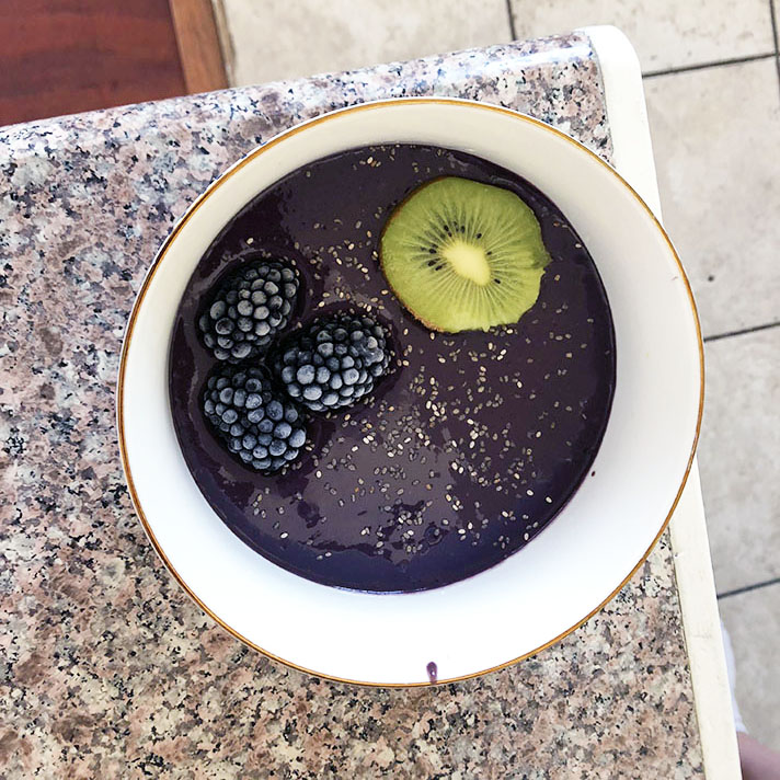 smoothiemondayfromabove Can a Regular Human Make an Insta Style Smoothie Bowl Every Day?