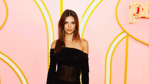 How Emily Ratajkowski Tells Whether Her Clothes Are Too Sheer | StyleCaster