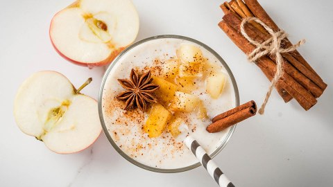 Healthy Smoothie Recipes Made with Fall Fruits and Veggies | StyleCaster