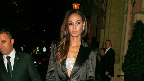Is Joan Smalls Wearing Invisible Heels in These Paris Fashion Week Photos? | StyleCaster