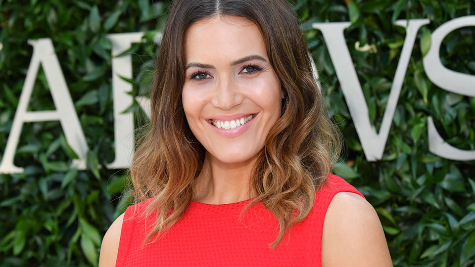 Mandy Moore's Eye Makeup Features a Subtly Stunning Detail