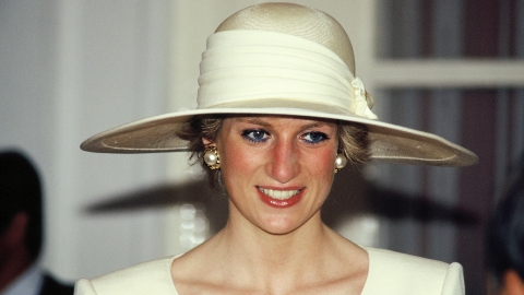How Princess Diana Repeatedly Broke Royal Beauty Tradition | StyleCaster