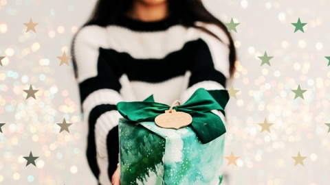 9 Hostess Gifts to Bring to Any Holiday Party | StyleCaster