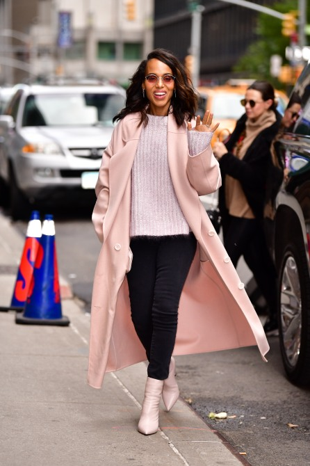 gettyimages 1055347480 copy How Kerry Washington Took a Millennial Pink Trench Coat from Day to Night