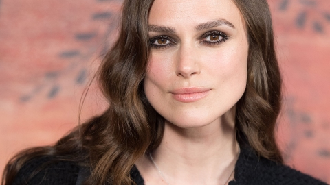 Keira Knightley Calls Out Double Standard in Men & Women Drinking   StyleCaster