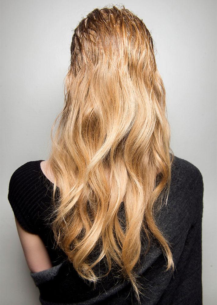 Model- Oily Hair Tips