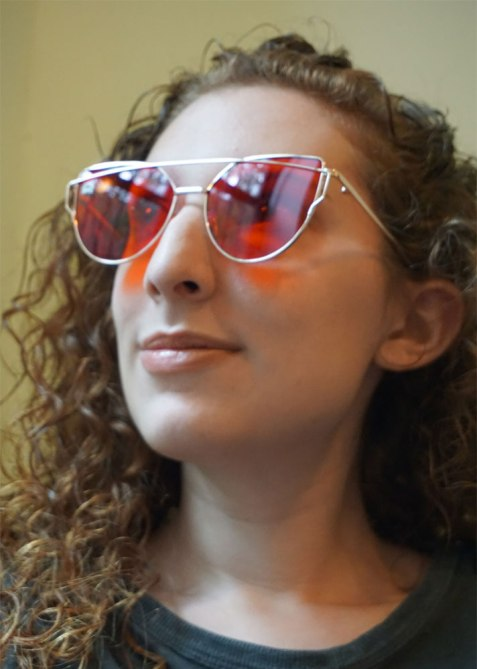 robyn chromotherapy 4 A Crash Course on the Wellness Benefits of Chromotherapy Glasses